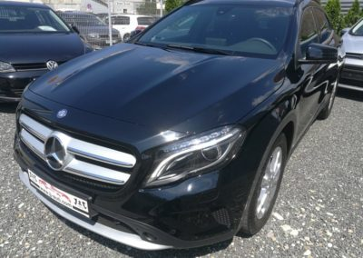 Mercedes-Benz GLA 180 d (1)
