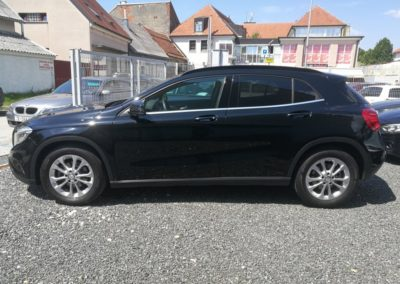 Mercedes-Benz GLA 180 d (4)