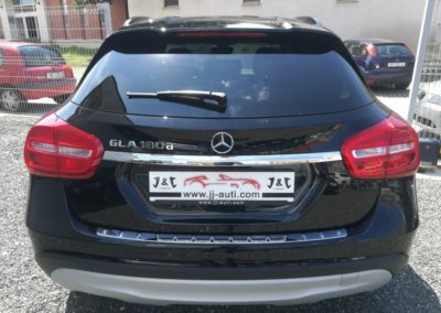 Mercedes-Benz GLA 180 d (7)